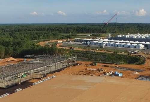 Cloud campus under construction